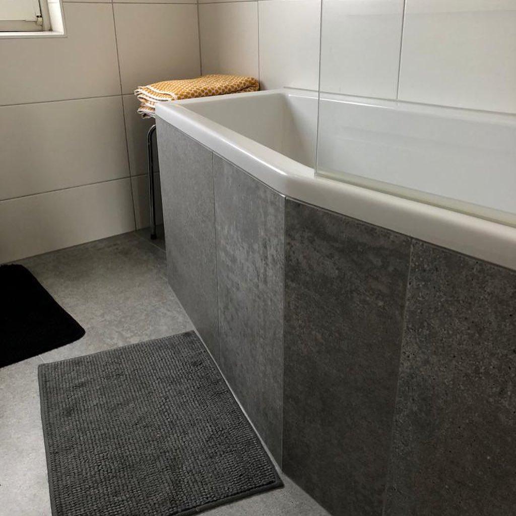 badkamer met bad laten betegelen in Eindhoven