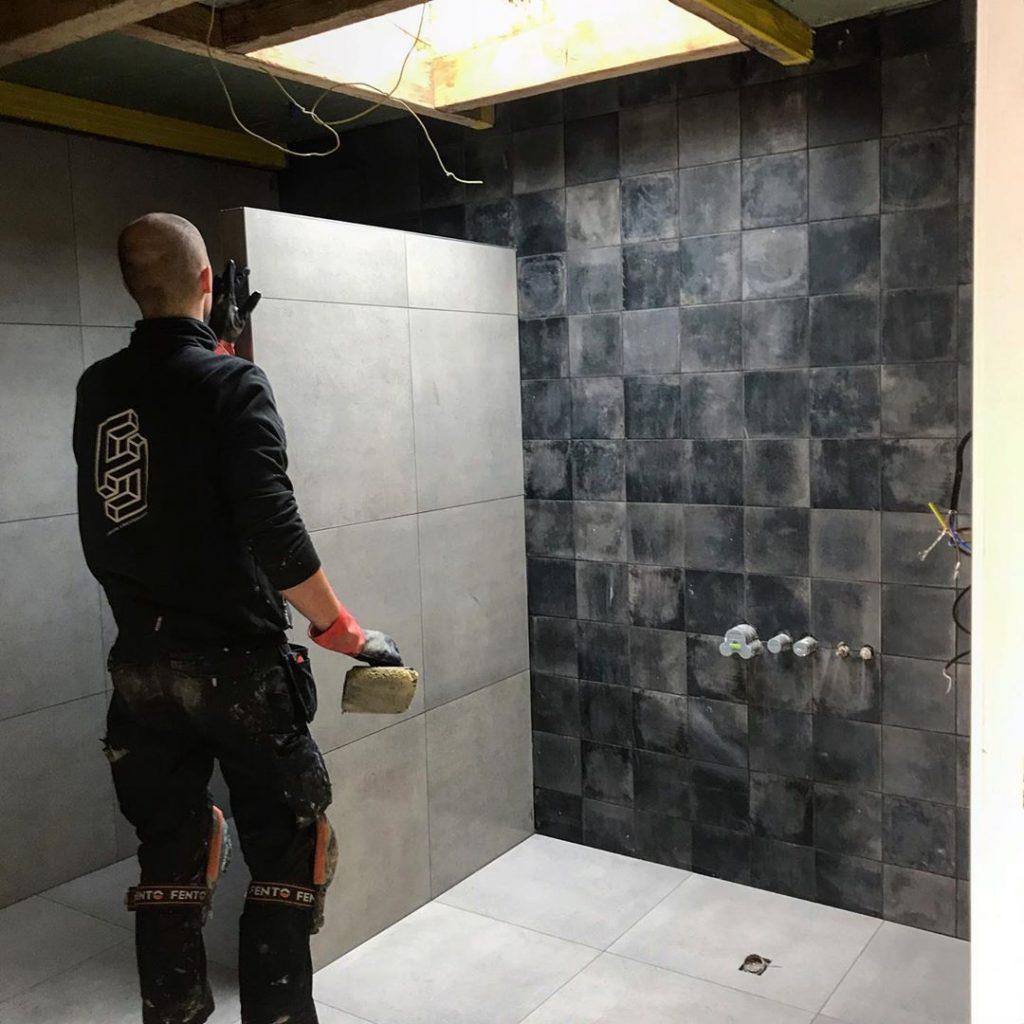 tegelzetter-eindhoven-2broers-4-rechterhanden-badkamer-laten-betegelen