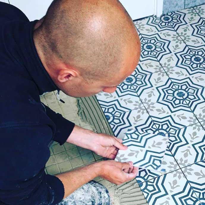 vloer-tegels-laten-leggen-in-Eindhoven-door-tegelzetter